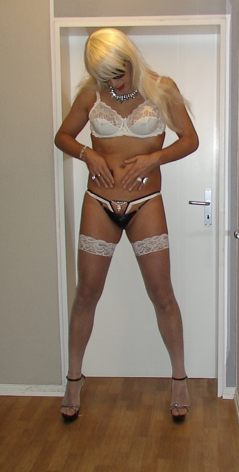 tube crossdresser striptease suomi