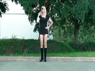 Crossdresser Very Short Skirt Goes in Public