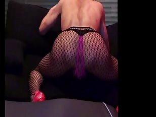 Shaking Ass with High Heels