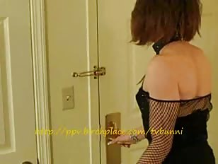 Horny CD Wanks in Hotel Room