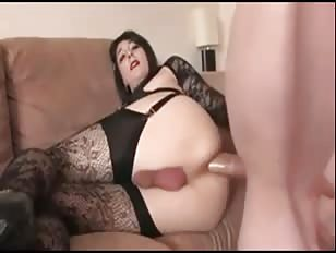 Making Love With a Gorgeous Crossdresser