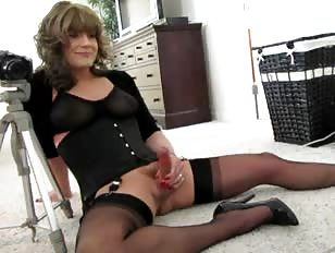 Adorable Crossdresser Makes an Amateur Xxx Clip
