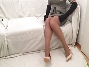 Amateur Crossdress Secretary Jerks and Cums Live