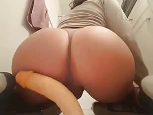 Bubble Butt CD Rides Dildo Until Cums
